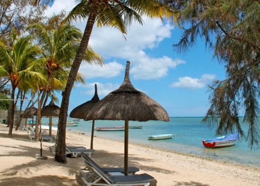 1 Woche Mauritius im 3* Strand Resort inkl. Halbpension und Flug ab 790€