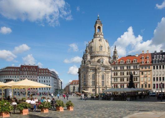 3 Tage im 4* Hilton Dresden mit Blick auf die Frauenkirche inkl. Frühstück, Dinner und Wellness ab 139€