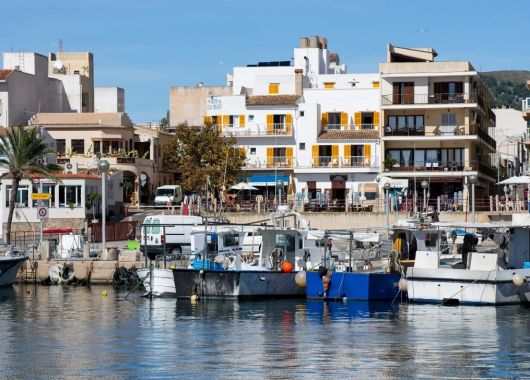 Kurztrip nach Mallorca: 3 Tage im Hostal Cala Ratjada inkl. Flug ab 87€