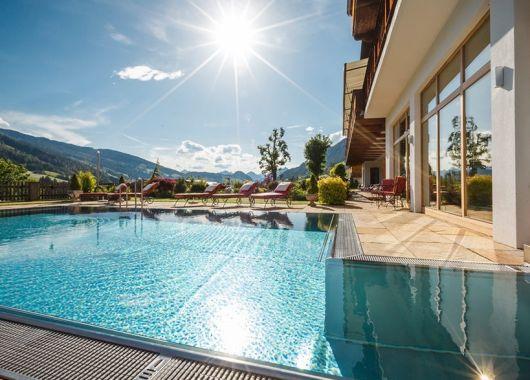 Wellness in Tirol: 3 – 8 Tage im 4,5* Hotel inkl. Halbpension und Massage ab 179€