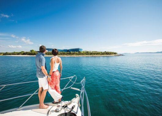Luxusurlaub: 1 Woche Dalmatien im 5* Hotel inkl. Frühstück, Flug, Transfer und Rail&Fly ab 680€