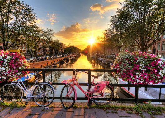 Amsterdam: 2 bis 5 Tage im hippen 4*Hotel mit Frühstück und Parkplatz ab 34,50€