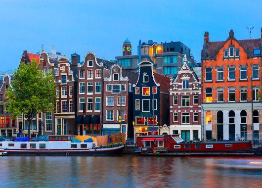Langes Wochenende in Amsterdam: 4 Tage im guten 4* Hotel inkl. Busfahrt ab 164€ pro Person (ab Leverkusen)