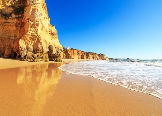Algarve Anfang November: 7 Tage ins 3*Hotel inkl. Flug, Frühstück, Transfers und Rail&Fly ab 253€