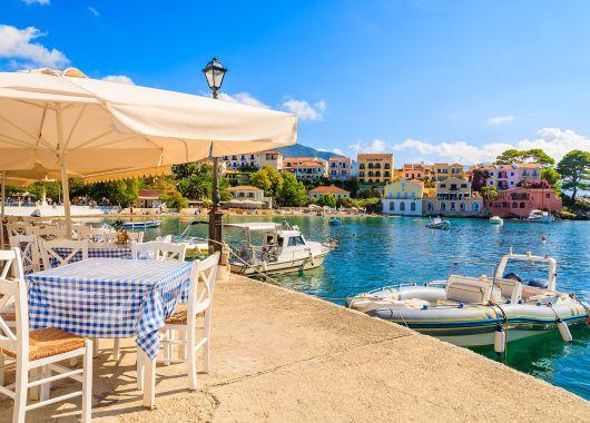 Noch im April: Eine Woche Korfu im 4* Hotel inkl. Flug, Transfer, Rail&Fly und HP ab 376€