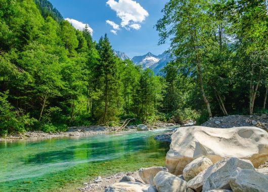Arlberg: 3 Tage im beliebten 4*Hotel inkl. Halbpension,  St. Anton Sommer-Karte und Wellness für 139€