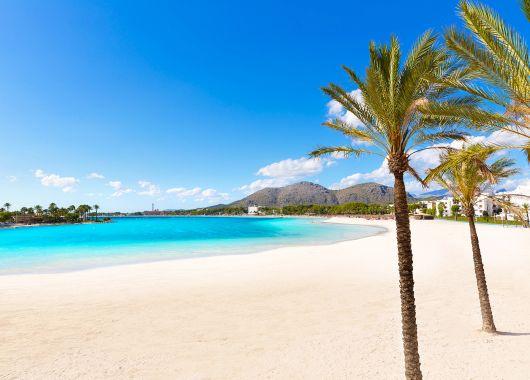 Mallorca im Juni: 1 Woche im sehr guten 3.5* Hotel inkl. Flug, Transfer und Rail & Fly ab 266€