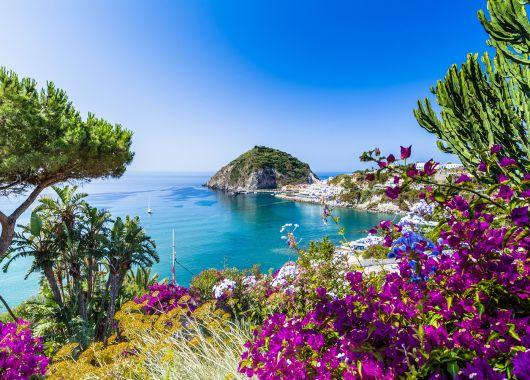 Condor: 20€ Gutschein für Italien, z.B. Hin- und Rückflug nach Rimini im August für 80€