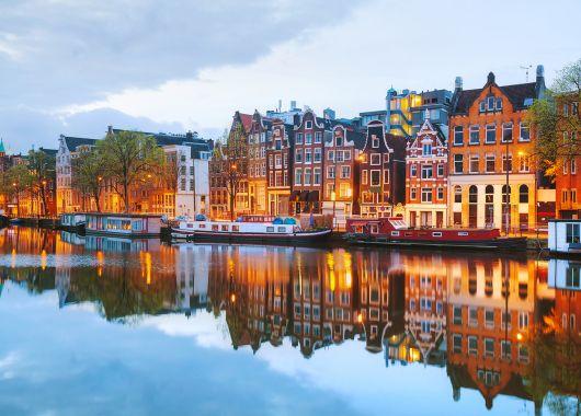 3 Tage Amsterdam im 4* Hotel inklusive Frühstück, Wellness und Flughafentransfer ab 79€