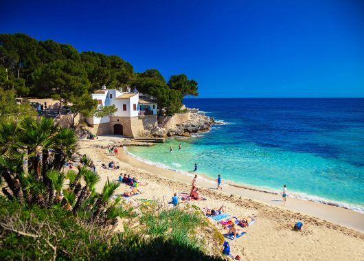 1 Woche Santa Ponsa im 4* Hotel inkl. Halbpension, Flug und Transfer ab 335€