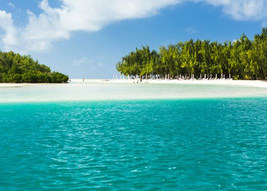 Mauritius: Hin- und Rückflüge ab Köln inkl. Gepäck für 375€ (Non-Stop)