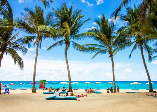 Thailand: 2 Wochen auf Phuket im 4* Hotel inkl. Flug, Transfer, Rail & Fly und Frühstück ab 899€ pro Person