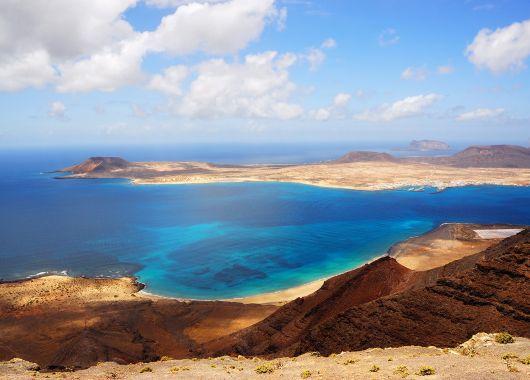 Lanzarote: 1 Woche im guten Hotel inkl. Flug und Transfer ab 264€ pro Person