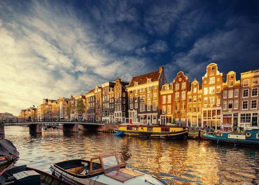 3 Tage Amsterdam im 4* Hotel inkl. Frühstück für 74€ pro Person