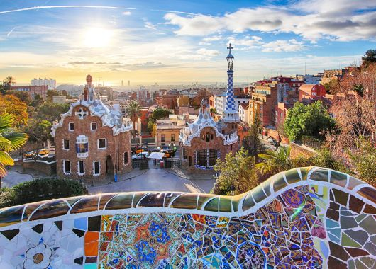 Frühbucher: 4 Tage Barcelona im 3* Hotel mit Flug ab 99€