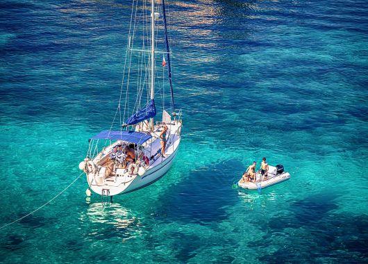 5 Tage Ibiza im Mai: 3* Hotel mit All Inclusive und Flug ab 264€