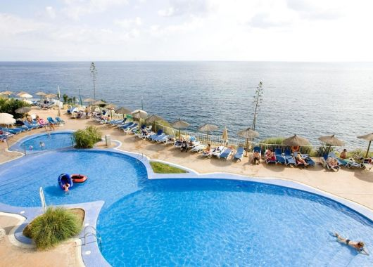 1 Woche Mallorca im Mai: 3* Apartment am Meer, All Inclusive, Rail&Fly und Transfer ab 320€