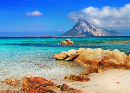 5 Tage Sardinien im 4* Hotel inkl. Halbpension, Flug und Transfer ab 382€