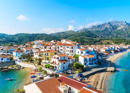 1 Woche Samos im 3* Hotel mit All In, Flug, Rail&Fly und Transfer ab 382€