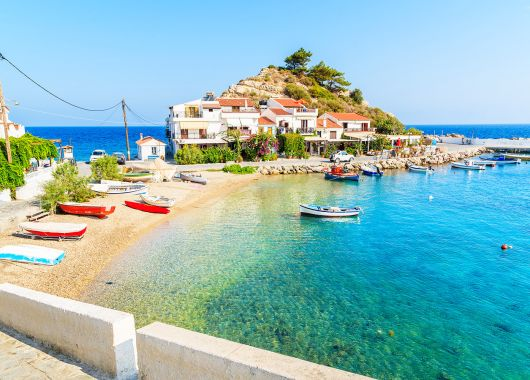 1 Woche Samos im 3* Hotel inkl. Frühstück, Flug, Rail&Fly und Transfers ab 366€