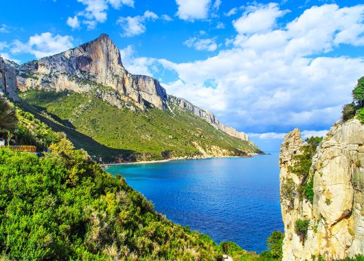 Sardinien im Januar: 1 Woche im 4*Hotel mit Flügen und Frühstück ab 316€