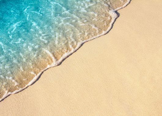 1 Woche Sonnenstrand im Mai: 5* Hotel inkl. HP, Flug, Rail&Fly und Transfer ab 360€