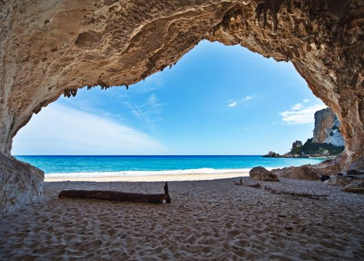 1 Woche Sardinien im Oktober: 4* Apartment mit Flug und Transfer ab 399€