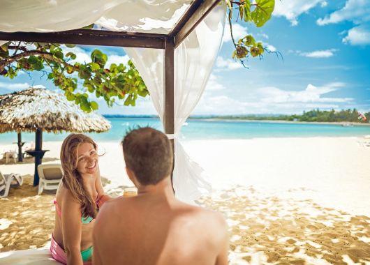 Frühbucher: 2 Wochen Dominikanische Republik im 4* Resort mit All Inclusive, Flug, Rail&Fly und Transfer ab 1187€