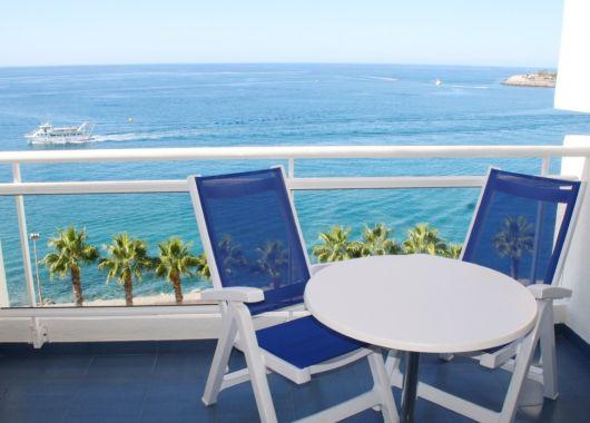 1 Woche Gran Canaria im September: 3* Apartment inkl. Halbpension, Flug, Rail&Fly und Transfer ab 482€