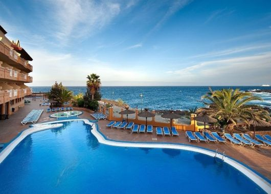 Fuerteventura: 1 Woche im 3* Hotel inkl. Flug, Rail & Fly und Transfer ab 294€