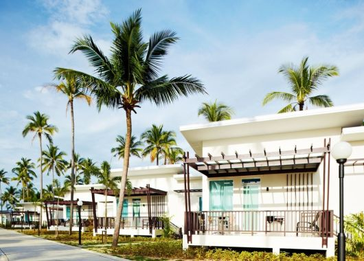 14 Tage Khao Lak im 4,5* Hotel inkl. Frühstück, Flug, Rail&Fly und Transfer ab 800€