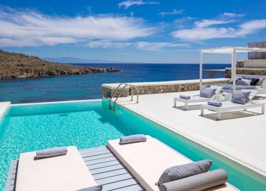 5 Tage in einer 4* Villa auf Mykonos + Flug ab 357€ pro Person bei einer Reise zu viert