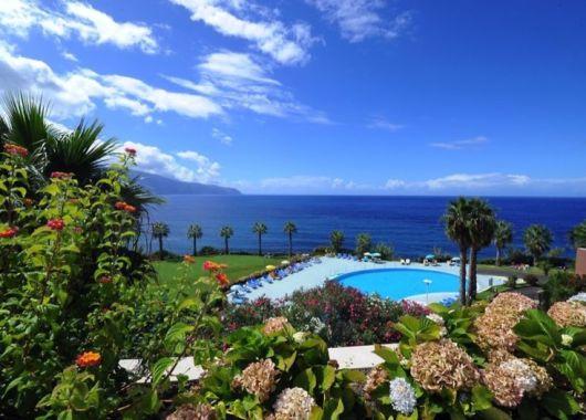 Madeira: 1 Woche im 4* Hotel inkl. Flug, Rail & Fly und Frühstück ab 317€