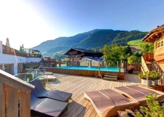 Sommer 2017: Wellness in Österreich 5* Hotel inkl. Frühstück, 1 Flasche Champagner und 2.000 m² Spa ab 199€