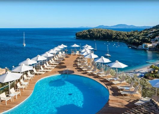 1 Woche Korfu im Mai: 4* Hotel inkl. Meerblick, Frühstück, Flug, Rail&Fly und Transfer ab 304€