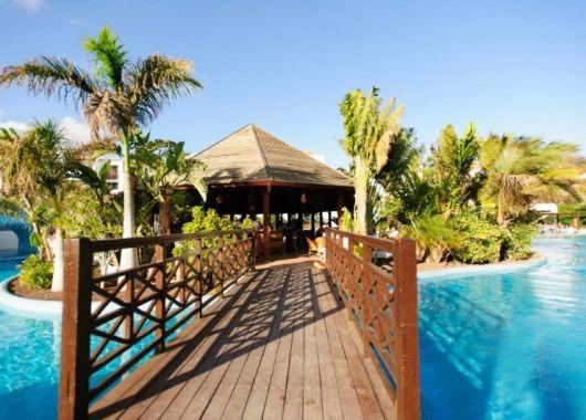 März – April: 1 Woche Fuerteventura im 4* Hotel inkl. Halbpension, Flug, Rail&Fly und Transfer ab 423€