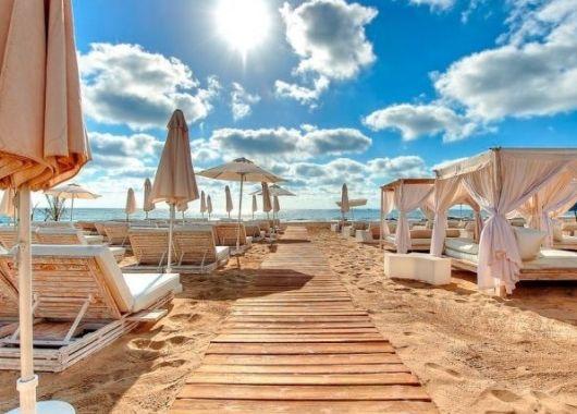 5 Tage im berühmten 5* Ushuaia Ibiza Beach Hotel inkl. Flug & Transfer ab 419€