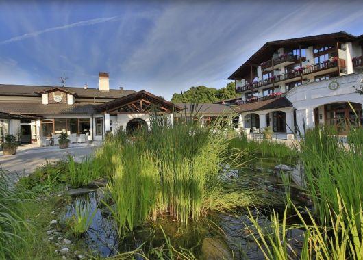 3 – 8 Tage im bayerischen 5* Alpenhof Murnau inkl. Halbpension und Spa ab 199€