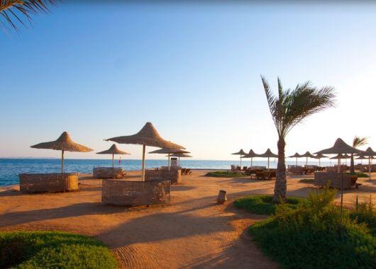 Lastminute: 1 Woche Hurghada im 5* Resort mit All In, Flug und Transfer ab 264€