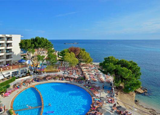 1 Woche Ibiza im Oktober: 3* Hotel inkl. Halbpension, Flug u. Transfer ab 376€