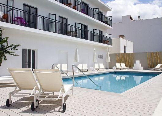 1 Woche Ibiza im Mai: 3* Gay Hotel inkl. Flug & Transfer ab 385€