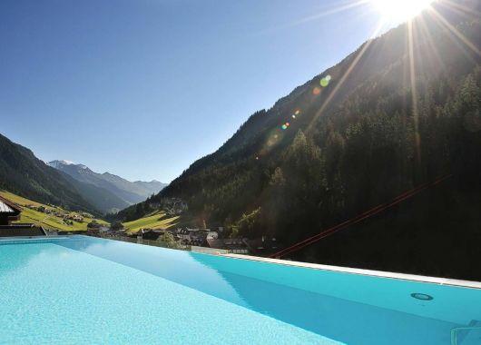 4 Tage Ischgl im Sommer: 4,5* Hotel inkl. Verwöhnpension und Spa ab 369€