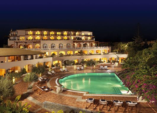 8 Tage Kreta Ende April: 5* Hotel inkl. Halbpension, Transfer und Flug ab 544€