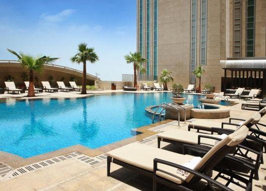 1 Woche Abu Dhabi im Mai: 5* Hotel inkl. Halbpension, Flug und Transfer ab 719€