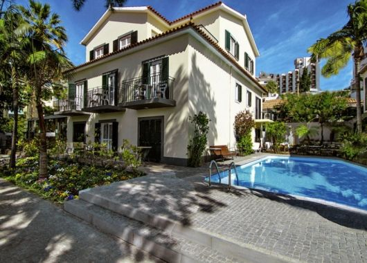 1 Woche Madeira im Mai: 3* Villa inkl. Frühstück, Flug, Rail&Fly und Transfer ab 480€