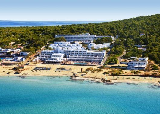 1 Woche Formentera im 4* Strand Resort inkl. HP, Flug, Rail&Fly und Transfer ab 537€
