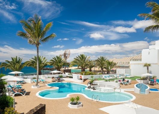 1 Woche Lanzarote im Apartment mit Meerblick, Frühstück, Rail&Fly u. Transfer ab 517€