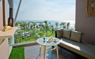 2 Wochen Khao Lak im 4,5* Award-Hotel inkl. Frühstück, Flug und Transfer ab 905€