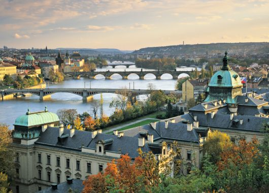 Zum Valentinstag nach Prag: 4 Tage im guten, zentral gelegenen 4* Hotel ab 173 Euro inkl. Flug & Frühstück