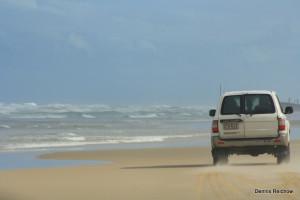 Mit dem Van über den Strand